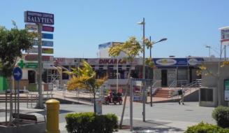 Detenido por robar 746 euros y 470 libras esterlinas en un centro comercial en Tenerife.
