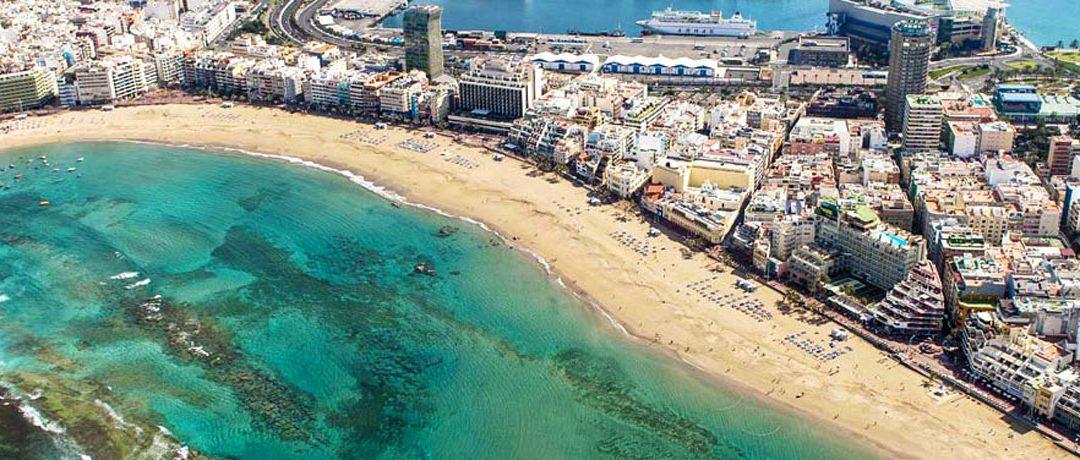 Detienen a una mujer por robar ropa en un establecimiento de Las Palmas de Gran Canaria.