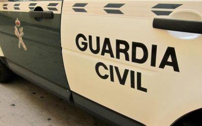 Detenidos dos varones por asaltar con violencia la casa de un anciano en Agüimes (Gran Canaria).
