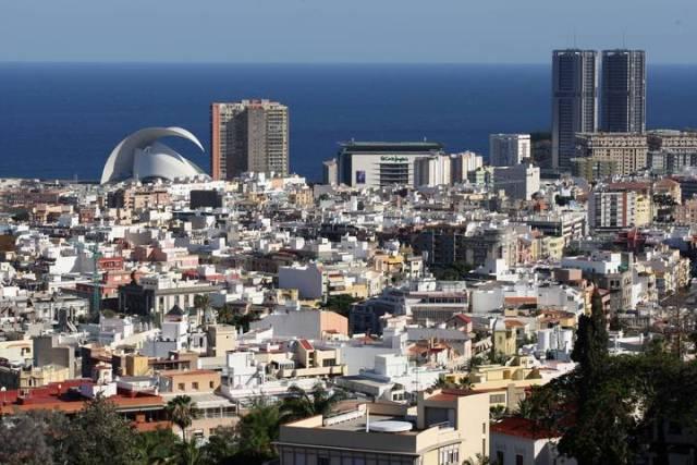 Detenido en Santa Cruz de Tenerife por robar artículos de videojuegos en un centro comercial.